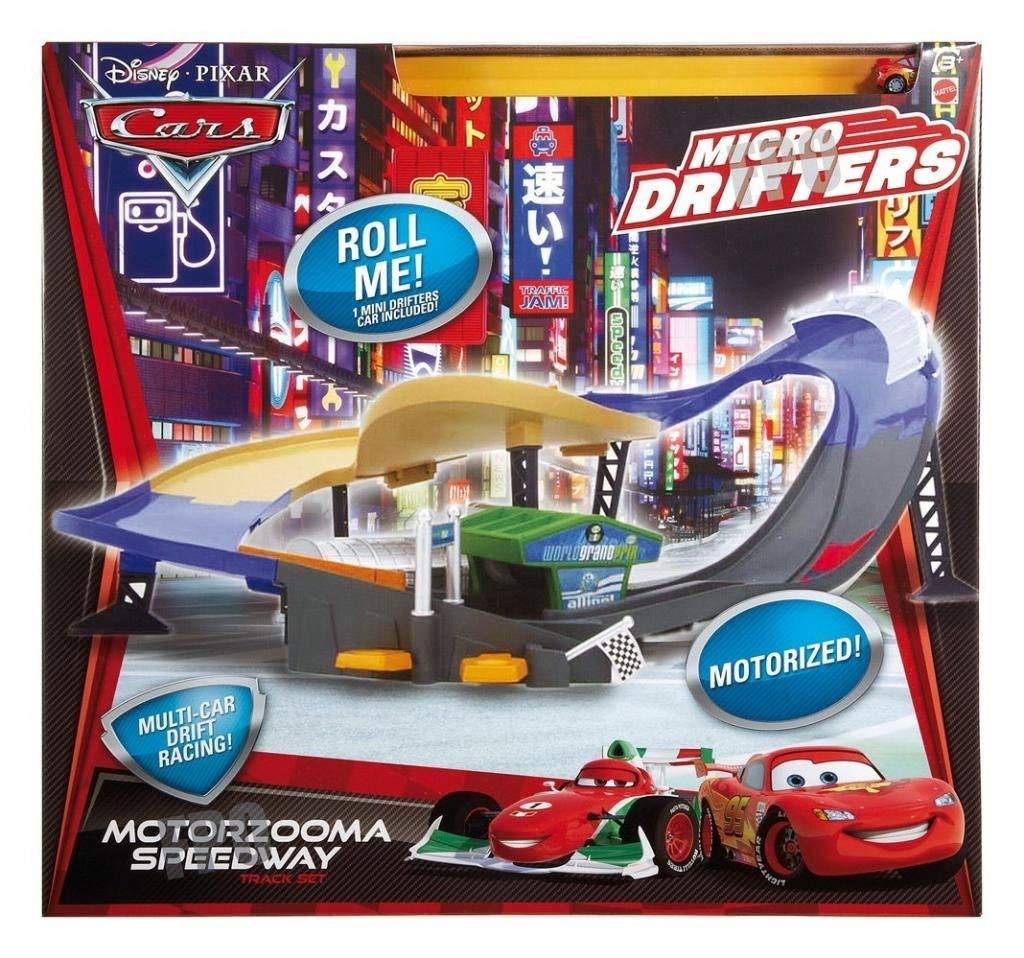 Le circuit Cars Pixar, petits véhicules mais très grande vitesse !
